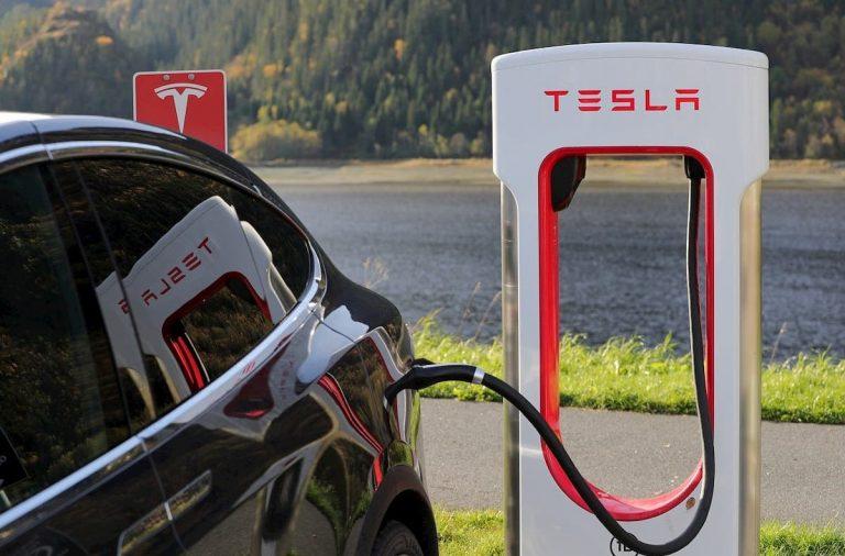 Tesla ,estaciones ,Supercharger ,Europa